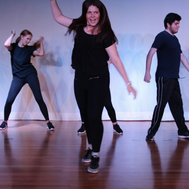 https://brisbaneactinganddrama.com.au/wp-content/uploads/2021/09/Theatre-Sports-and-Comedy-Classes-640x640.jpg